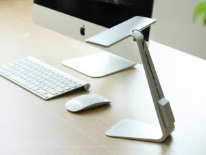 高質感超薄時尚LED檯燈 節省空間 三段式切換
